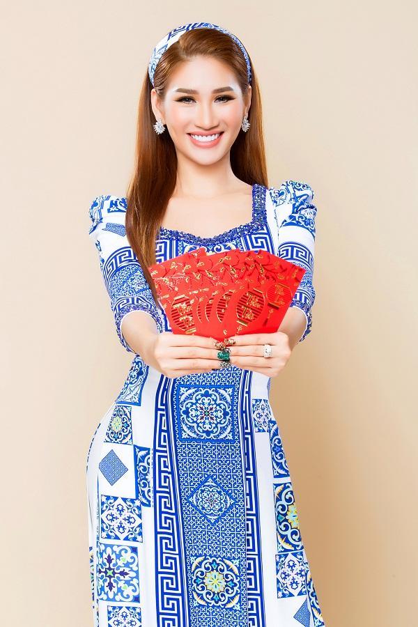 Người mẫu Quỳnh Thi gây thương nhớ với áo dài xuân-9