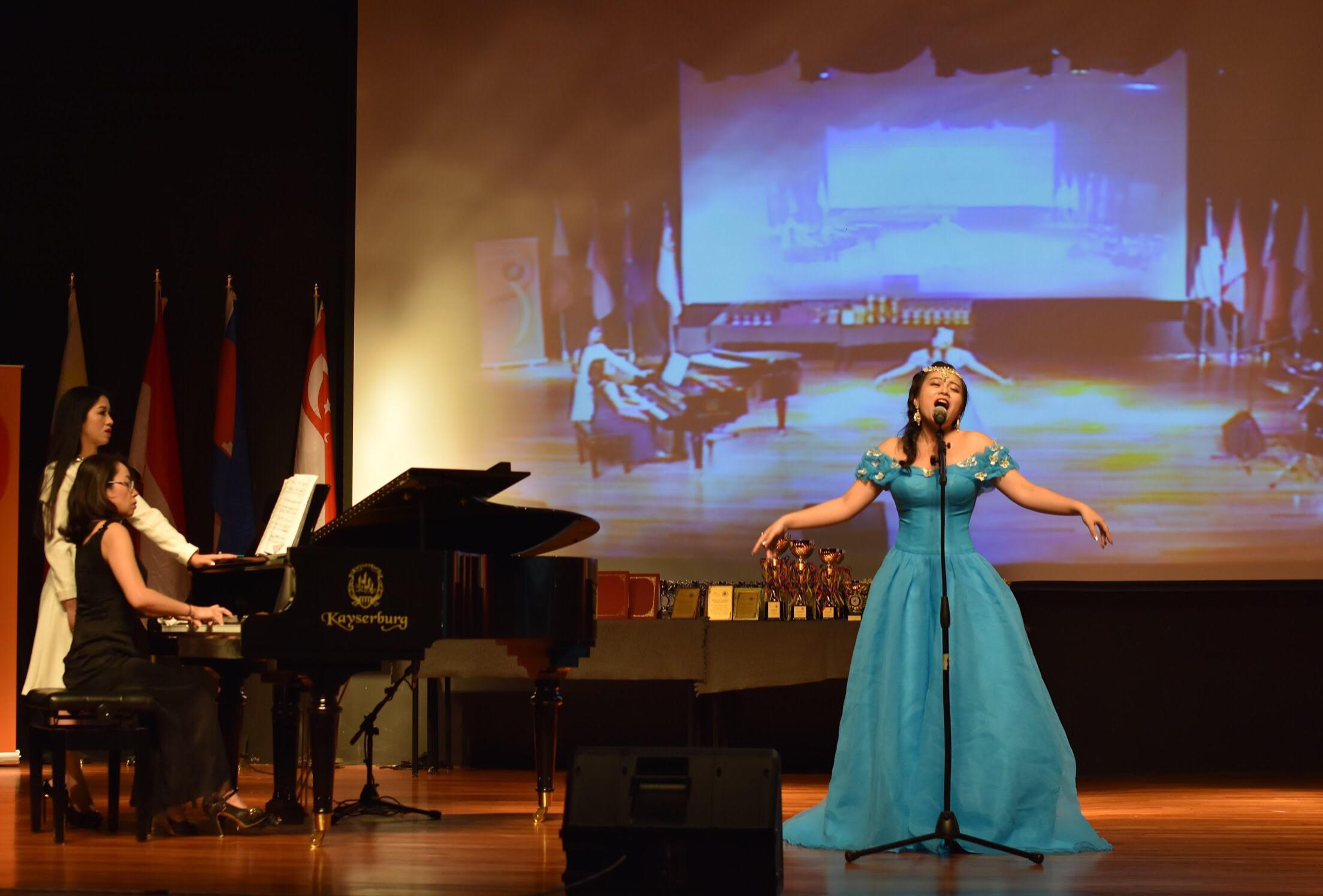 Tài năng trẻ Opera Thảo Ly: Từ cô sinh viên Hà thành đến giải Vàng nghệ thuật Châu Á-2