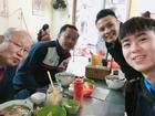 Tin sao Việt: Quang Hải và Duy Mạnh đưa thầy Park Hang-seo đi ăn phở