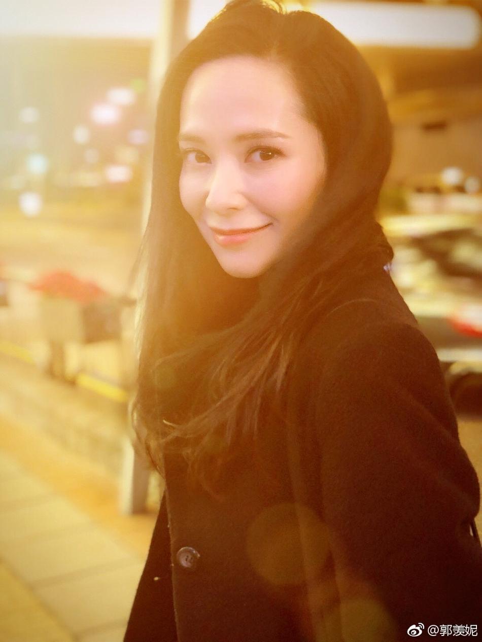 Hoa hậu Hong Kong từng phá thai để đóng phim bây giờ ra sao?-11