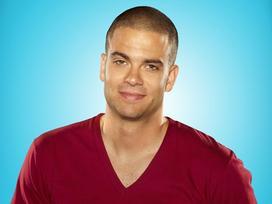 Sốc: Nam diễn viên 'Glee' treo cổ lên cây tự vẫn tại nhà riêng