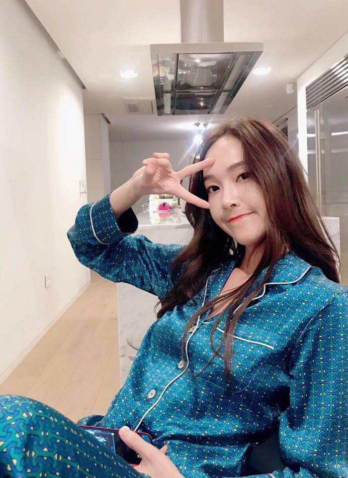 Diện street style đón đầu xu hướng như Park Shin Hye - Irene - Suzy - cô nàng cử tạ Lee Sung Kyung-5