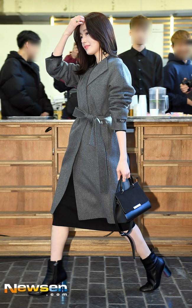 Diện street style đón đầu xu hướng như Park Shin Hye - Irene - Suzy - cô nàng cử tạ Lee Sung Kyung-7