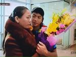 Mẹ Phan Văn Đức nói về hình ảnh hai mẹ con lặng lẽ ôm nhau tại sân bay: 'Tôi tự hào về con mình'