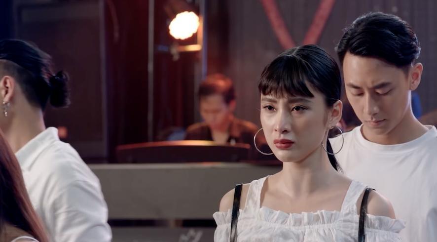 Giọng hát của Angela Phương Trinh được khán giả tìm nghe nhiều nhất tại Glee Việt Nam-9
