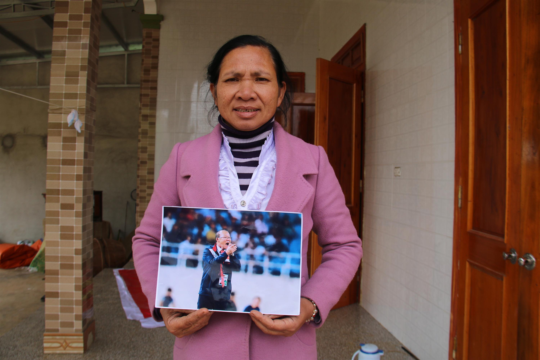 Xuân Mạnh U23 lặng người vì món quà 10 nghìn đồng mẹ tặng ở sân bay-2