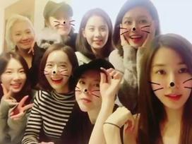 Fan mừng rơi nước mắt khi SNSD lần đầu xuất hiện đông đủ sau khi 3 thành viên rời SM