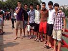 Bật cười với ảnh chụp trên cầu Thê Húc vừa được 'khai quật' của sao U23 Việt Nam