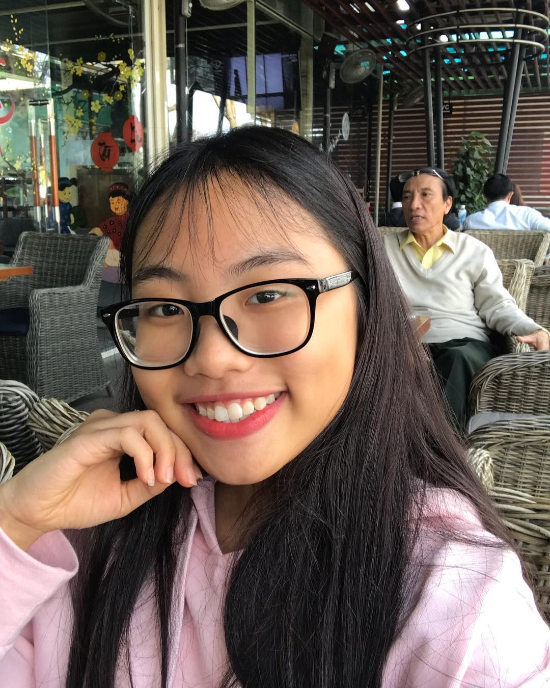 Tin sao Việt: U23 Việt Nam Đức Chinh quỳ gối xin tụng trứng với Văn Thanh-8