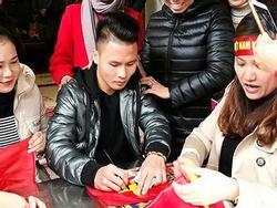 Tiết lộ bất ngờ về món quà Quang Hải tặng bố mẹ khi về thăm nhà