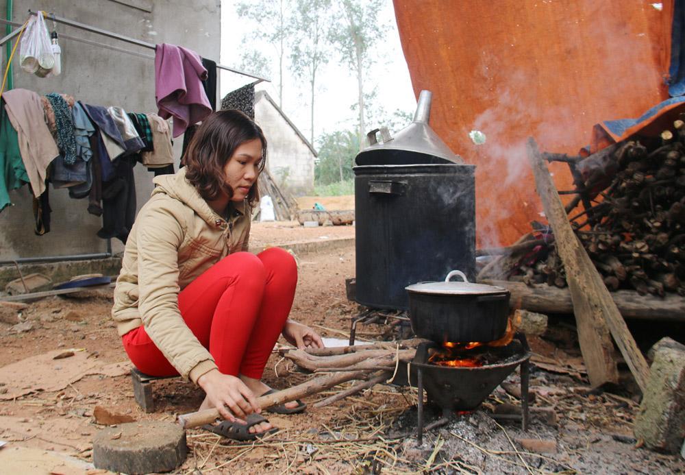 Căn nhà heo hút giữa đồng và tuổi thơ đói nghèo của Xuân Mạnh U23-6