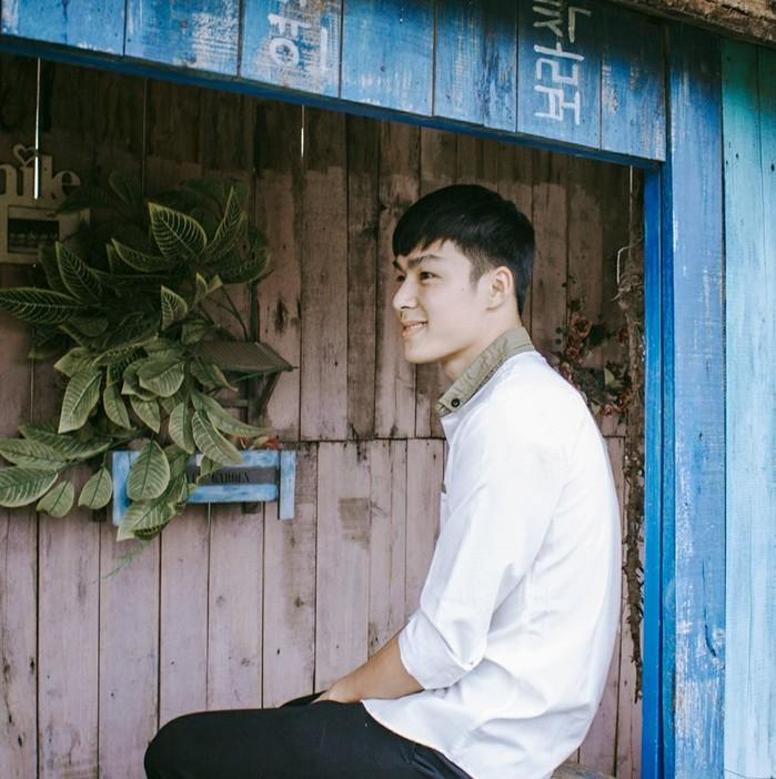 Dân mạng truy lùng danh tính chàng cảnh sát điển trai trong lễ đón U23 tại Nghệ An-2