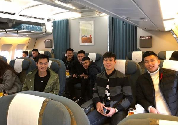 Dàn tuyển thủ U23 Việt Nam được bay sang chảnh hạng thương gia khi đến TP.HCM-7