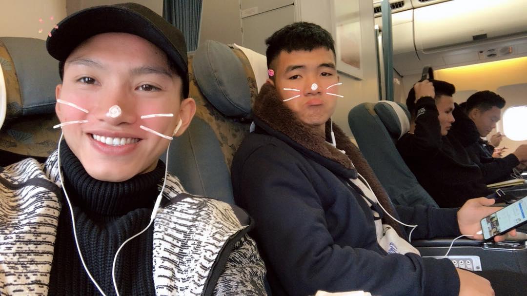 Tin sao Việt: Khi không phải chuyền bóng, cầu thủ U23 Việt Nam cũng muôn kiểu kute lạc lối-1
