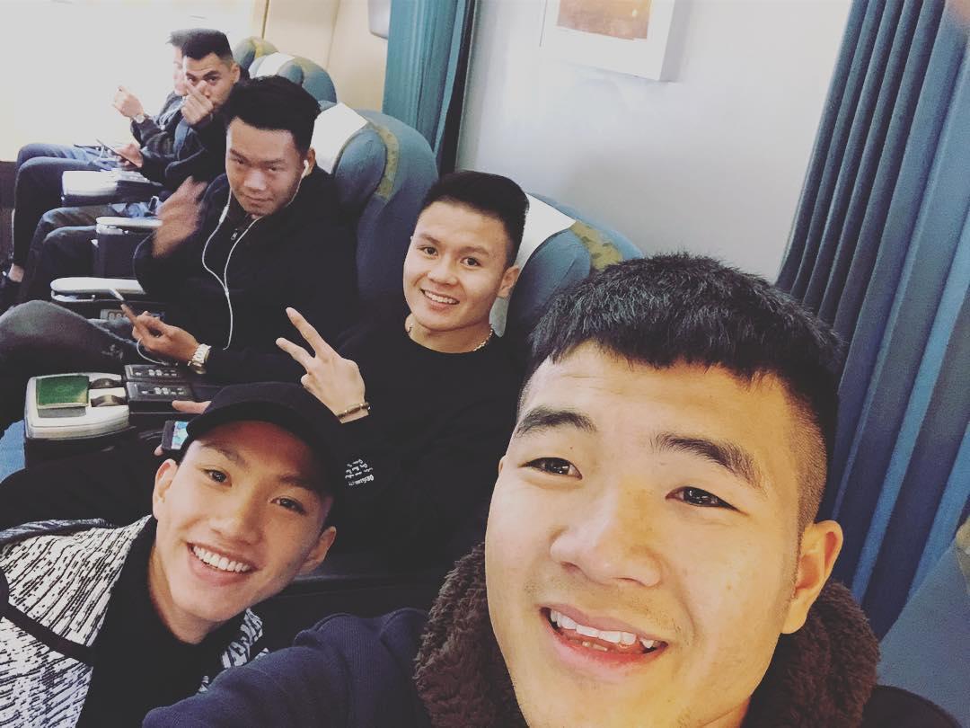 Tin sao Việt: Khi không phải chuyền bóng, cầu thủ U23 Việt Nam cũng muôn kiểu kute lạc lối-2