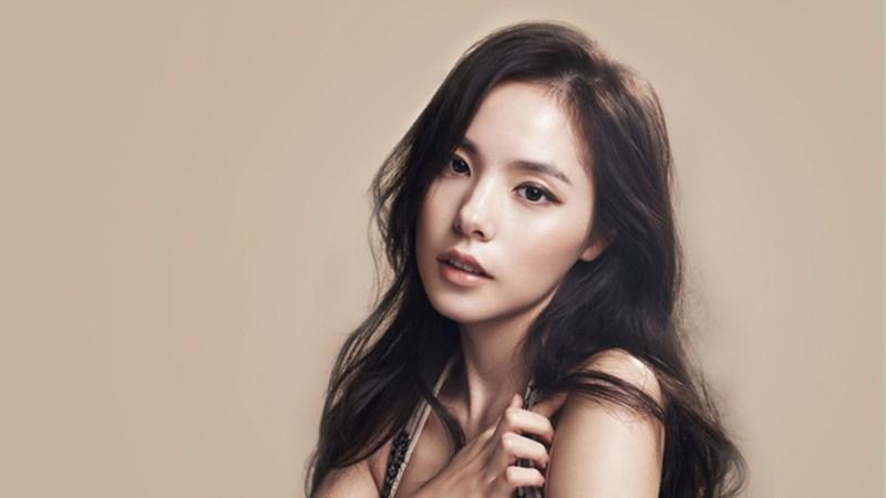 Nhan sắc hấp dẫn và gu thời trang sành điệu của Min Hyo Rin - vợ sắp cưới Big Bang Taeyang-2
