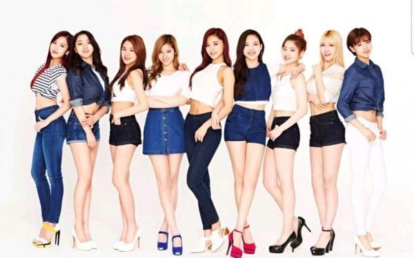 14 girlgroup cộng lại cũng không bằng TWICE: Đừng so sánh họ với Red Velvet nữa-2