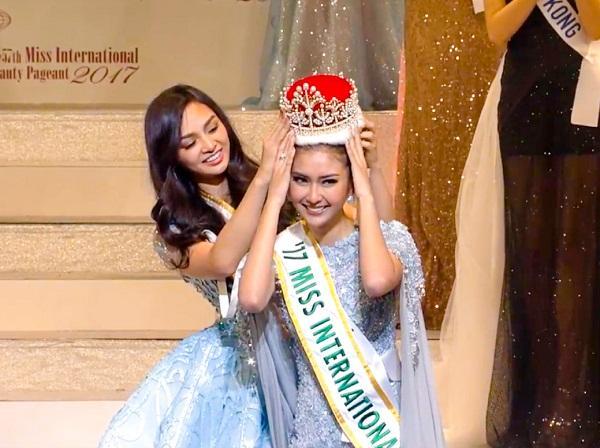 Ngắm dung nhan tuyệt sắc của top 5 Hoa hậu đẹp nhất Thế giới năm 2017-3