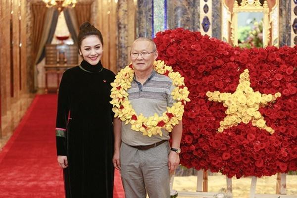 Thầy trò Park Hang Seo rạng rỡ khi hội ngộ dàn sao Việt tại TP HCM-2