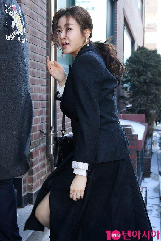 Chủ hôn Ki Tae Young rạng rỡ bên bà xã-3