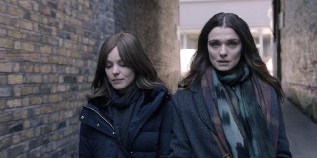 Cảnh nóng đồng tính của Rachel Weisz và Rachel McAdams gây sốt-3