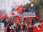Cháy vé miễn phí giao lưu U23, CĐV Sài Gòn bị chào vé chợ đen-7