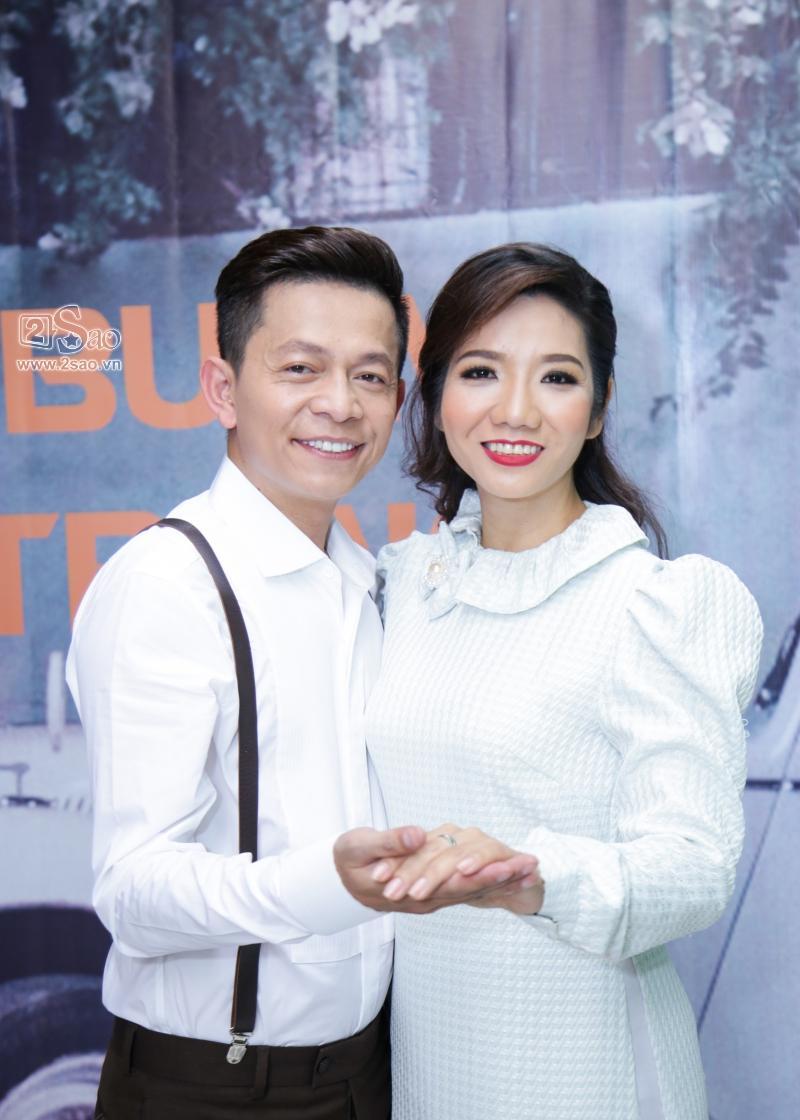 Hồng Ánh sánh đôi Minh Luân đến chúc mừng MV 400 triệu của Tuấn Tú Bolero-6