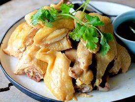 Thịt gà luộc - Món ăn người hùng Quang Hải mê tít, đánh bay cả con