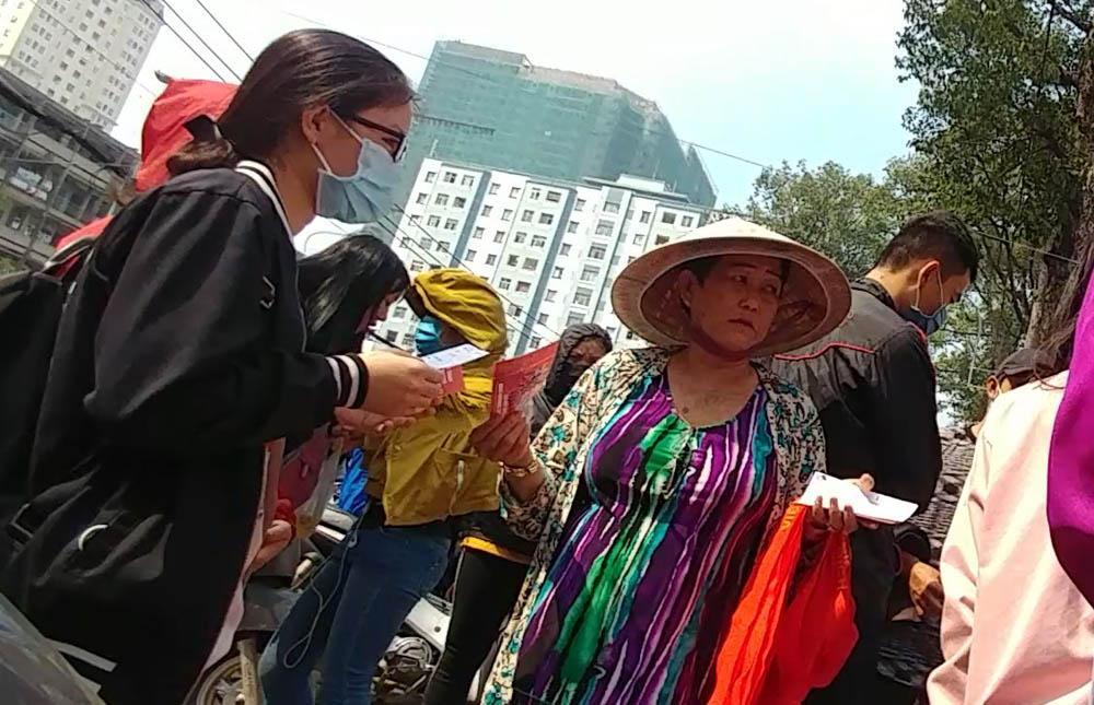 Cháy vé miễn phí giao lưu U23, CĐV Sài Gòn bị chào vé chợ đen-3