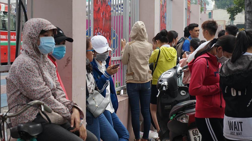Cháy vé miễn phí giao lưu U23, CĐV Sài Gòn bị chào vé chợ đen-6