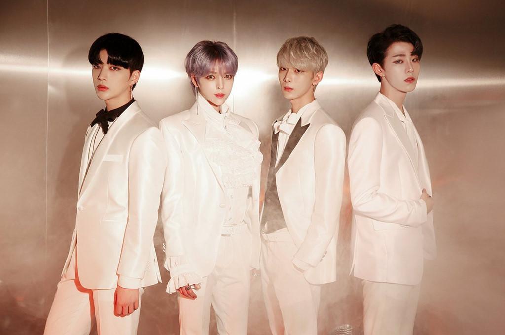 Nhóm nhạc nam Kpop gây sốc với ngoại hình giống hệt con gái-2