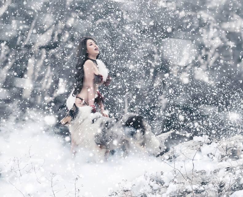Trọn bộ ảnh 2 hotgirl Hà thành mặc bikini khoe da thịt giữa lạnh thấu xương đình đám mạng xã hội-6