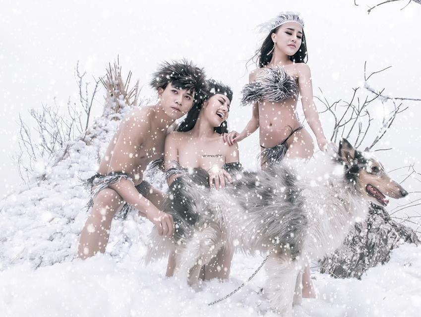 Mẫu nữ mặc bikini khoe da thịt dưới cái lạnh 9 độ C khẳng định: Bộ ảnh mang tính nghệ thuật cao-2