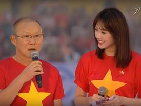 Hari Won bất ngờ trở thành phiên dịch viên cho huấn luyện viên Park Hang-seo