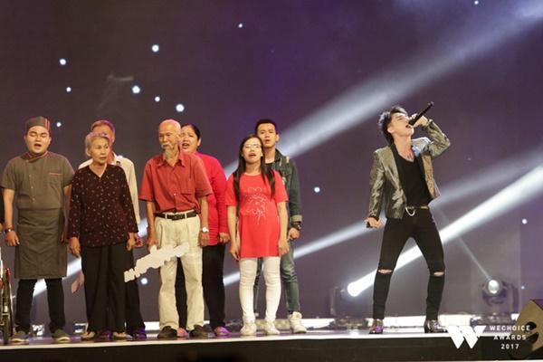 Bé Bôm đàn cho Sơn Tùng MTP hát Remember me khiến khán giả rơi lệ-5