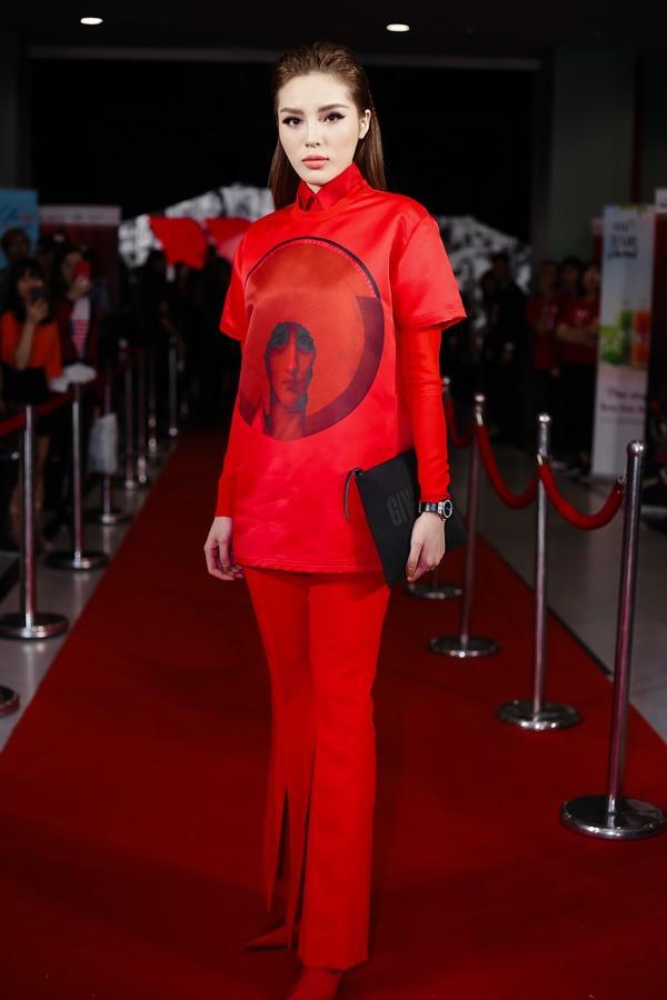 Chờ mãi bão U23 mới tan, dàn mỹ nhân Việt lại xúng xính váy áo đẹp xuất sắc thảm đỏ-2