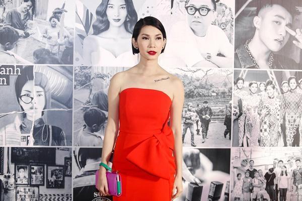 Chờ mãi bão U23 mới tan, dàn mỹ nhân Việt lại xúng xính váy áo đẹp xuất sắc thảm đỏ-8