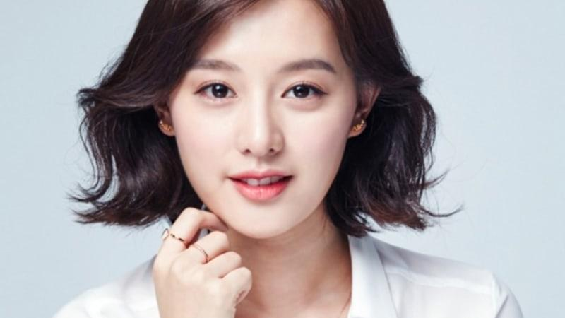 Sao Hàn 5/2: Song Hye Kyo U40 vẫn được khen trẻ như thiếu nữ-7