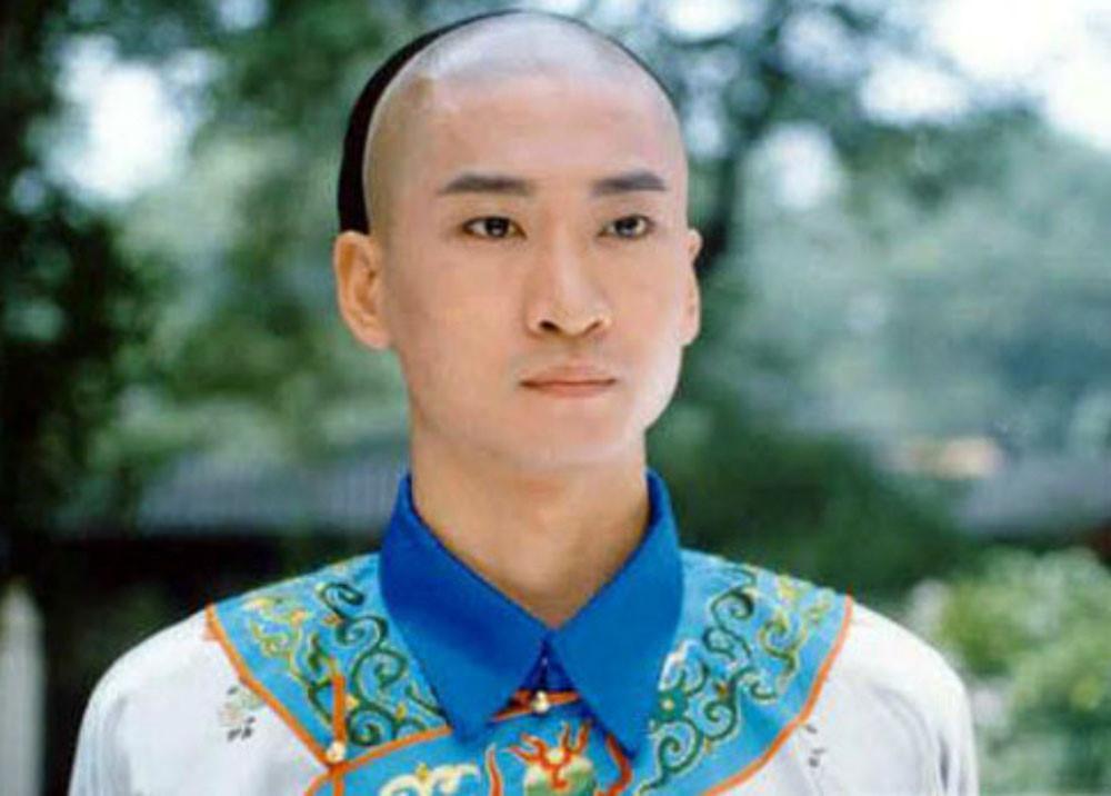 Cùng tuổi Tuất, nghệ sĩ Hoa ngữ người rạng rỡ thành công, kẻ thân tàn danh bại-11