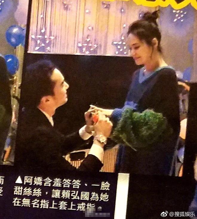 Hé lộ hình ảnh Chung Hân Đồng được bạn trai kém 4 tuổi quỳ gối cầu hôn-2