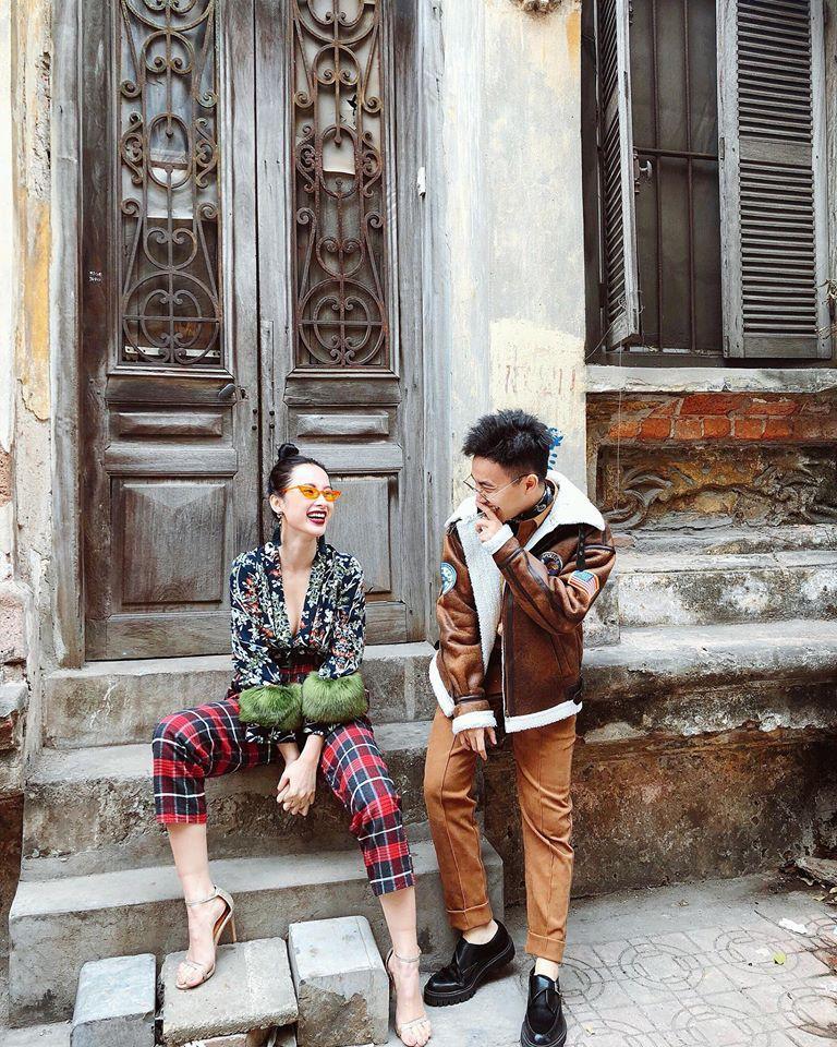 Ngọc Trinh khoe street style kín đáo đánh bại Angela Phương Trinh diện váy mỏng tang-3
