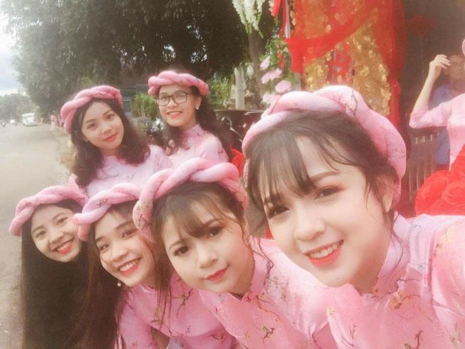 Ngẩn ngơ ngắm dàn phù dâu 'xinh như mộng' tại lễ ăn hỏi ở Đắk Lắk-1