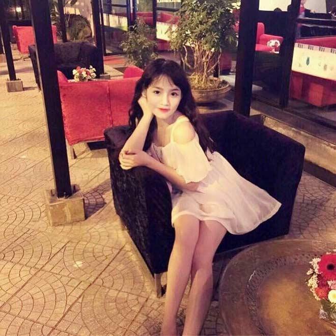Ngẫu hứng cất tiếng hát ở Hồ Gươm, cô gái bất ngờ nổi tiếng-5