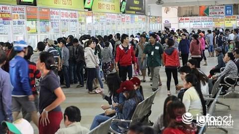 Hành khách bị hét giá gấp đôi, bến xe miền Đông cảnh báo mua vé dịp Tết-1