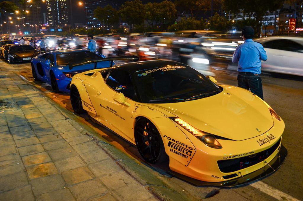 Dàn siêu xe tụ họp trên phố Sài Gòn-1