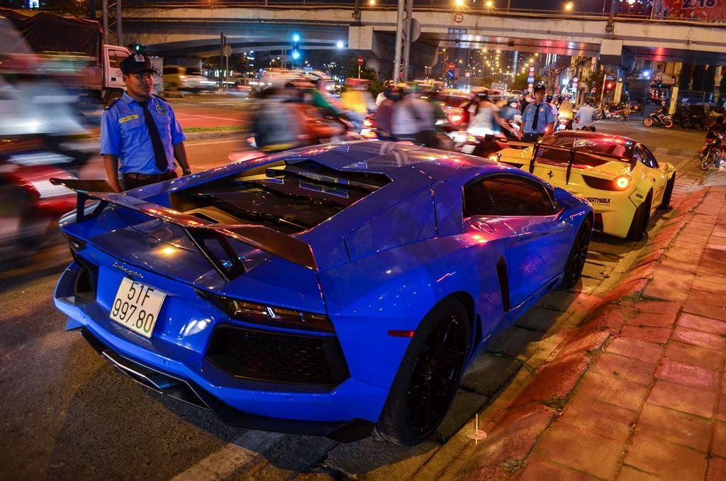Dàn siêu xe tụ họp trên phố Sài Gòn-2