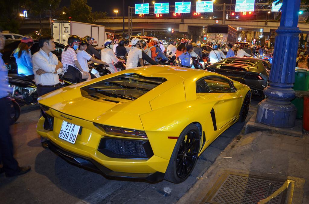 Dàn siêu xe tụ họp trên phố Sài Gòn-4