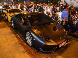 Dàn siêu xe tụ họp trên phố Sài Gòn