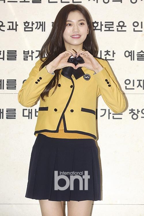 Mỹ nhân Mây họa ánh trăng Kim Yoo Jung rạng rỡ, lấn át nhan sắc tiểu Jeon Ji Hyun-7