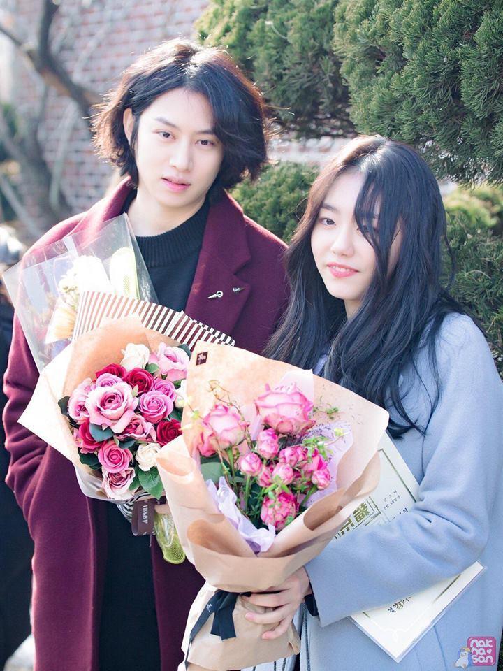 Sao Hàn 8/2: Sao nhí Gia đình là số 1 Jin Ji Hee xinh ngất ngây trong lễ tốt nghiệp-5